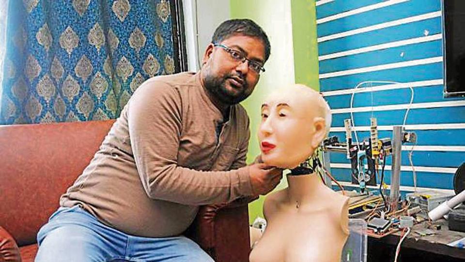 Ranchi man develops humanoid robot Rashmi, Indian version of 'Sophia'