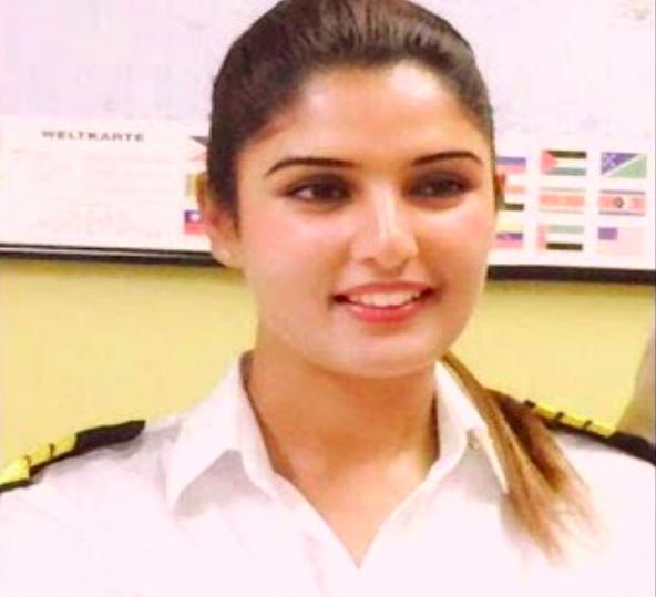 कश्मीर की इरम बनेंगी राज्य की पहली महिला पायलट, दो कंपनियों ने दिया नौकरी का ऑफर
