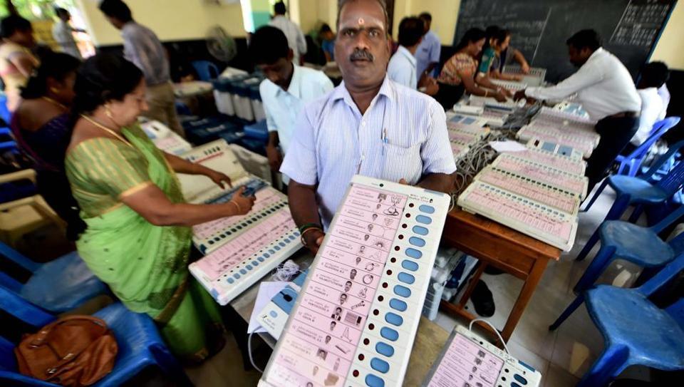चेन्नई : VVIP सीट जीतने के लिए बांटे गए करोड़ों रुपये, रद्द हो सकता है उपचुनाव-सूत्र