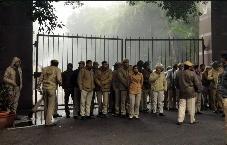 जेएनयू हिंसा : पुलिस को मिलीं 11 शिकायतें, मामला किसी पर भी दर्ज नहीं