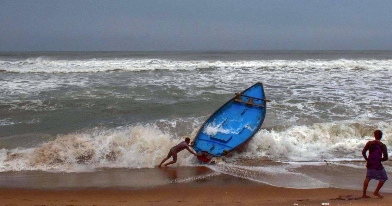 Cyclone Amphan Live Updates: कुछ ही देर में कोलकाता पहुंचेगा तूफान अम्फान, 110 KMPH की होगी रफ्तार