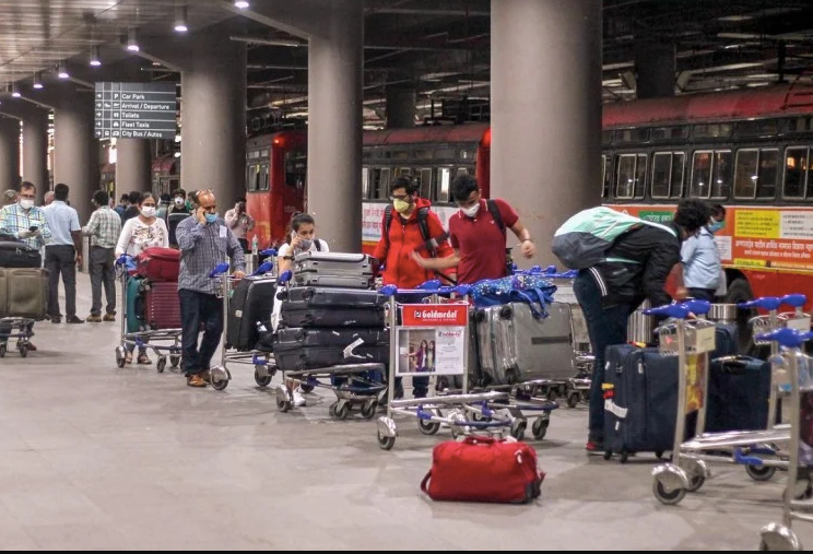 दो महीने बाद घरेलू उड़ान भरने को तैयार विमान, यात्रियों को रखना होगा इन चीजों का ख्याल