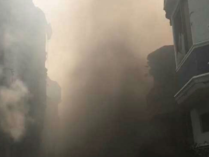 कराची एयरपोर्ट के करीब रिहायशी इलाके में प्लेन क्रैश; 98 यात्री सवार थे, अब तक 3 के जिंदा होने की पुष्टि, 37 शव निकाले गए